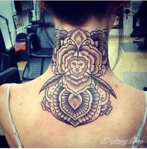 Ogromny Boisz się maszynki do tatuowania? Handpoke to opcja dla Ciebie! XS81