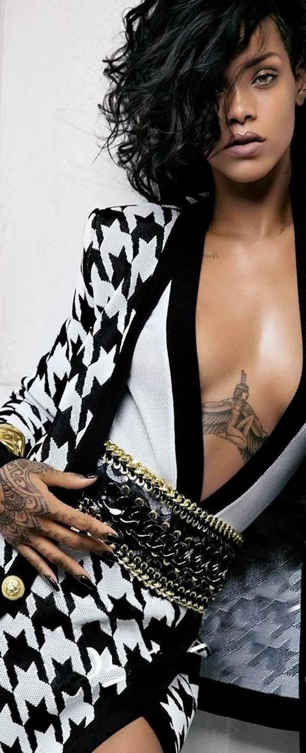 Intymny Tatuaż Nie Tylko Między Piersiami