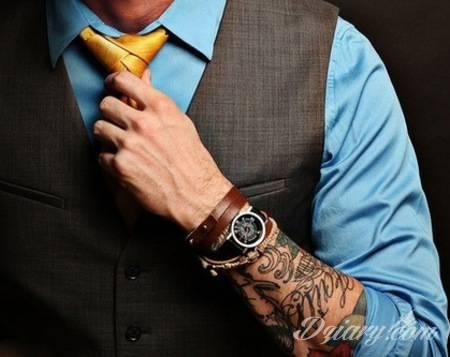 Tatuaż W Pracy