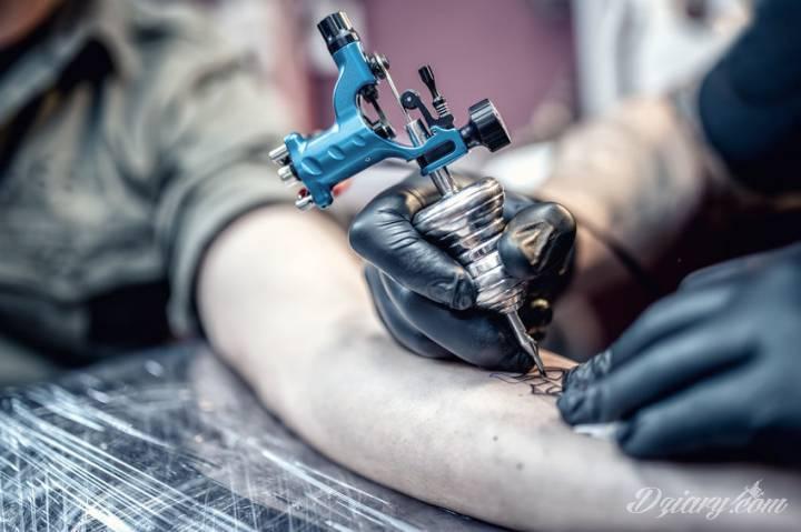 Jak przygotować się do zabiegu tatuowania?