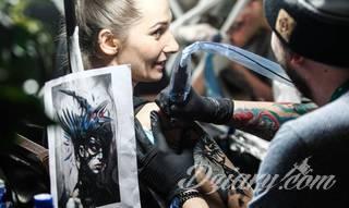 Jak wybrać salon/artystę tatuażowego?
