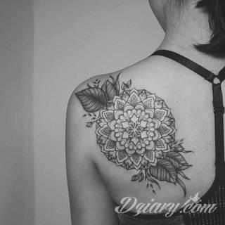 Jaki wzór tatuażu wybrać? Ponadczasowe i zawsze modne tatuaże dla kobiet