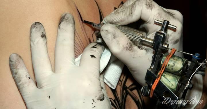Na co warto zwrócić uwagę wybierając studio tatuażu? Jeżeli zdecydowałeś...