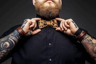 Służba zdrowia z tatuażem