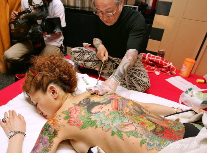 Jednym z najbardziej rozpoznawalnych stylów tatuażu jest tatuaż japoński. Charakteryzuje...
