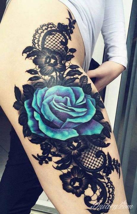 Róża jest jednym z najbardziej popularnych wśród projektów tatuaży zarówno...