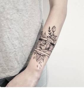 <p>hej, jaka cena takiego tatuazu...