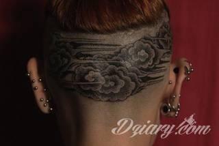 Tatuaże w formie chmur; od wariantów geograficznych po nawiązania do motywów religijnych. Motywy o wyjątkowej uniwersalności, które mają wartość zarówno humorystyczną, jak i mogą być tatuażem przepełnionym nostalgią i tajemnicą.