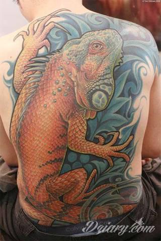 Tatuaże zwierzęce o motywie, który zachwyca od lat. Jaszczurki - groźne, niczym z filmów science fiction jak i te symboliczne - efektownie zdobią skóry mężczyzn i kobiet. Świetnie sprawdzają się m.in. na łopatkach.