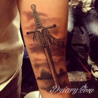 Tatuaże Miecz Wzory I Galeria Tatuaży