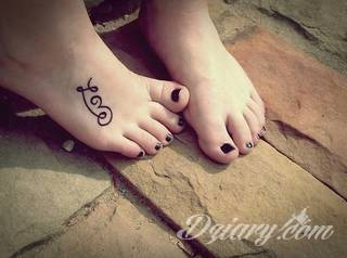 Czasami zmysłowe, zazwyczaj dyskretne, zawsze - zwracające uwagę. Tatuaże na stopie to coś więcej niż obraz. Noga czy stopa, poprzez swój kształt, daje duże możliwości na tatuaż adaptacyjny - dostosowany do konkretnego odbiorcy.