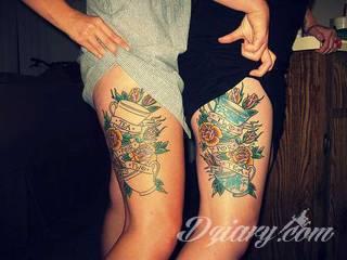 Kobiece tatuaże na udzie tworzą swoistą grę zmysłów z odbiorcą. Kuszą, intrygują, podniecają - stanowią niezwykły element zdobiący intymny fragment ciała odważnych dziewcząt i kobiet.