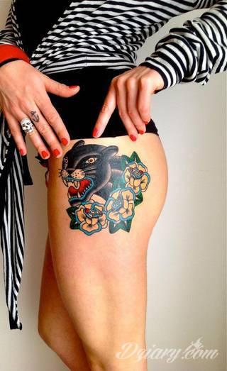 Groźne, ale i uśpione. Leżące, ale i szykujące się do dynamicznego skoku. Tatuaże z panterami podkreślają oryginalne cechy tych zwierząt. Pantery to zarówno drapieżność jak i cierpliwość i równowaga - widać to na tatuażach.