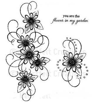 Kwiaty to jeden z najchętniej stosowanych wzorów tatuaży. Stokrotki - dzięki swojej lekkości, subtelności i niewielkim rozmiarom - doskonale sprawdzają się jako wzór dla kobiet poszukujących niewielkiego, kwiecistego motywu na skórze.