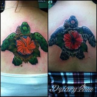 Żółwie - nie tylko wojownicze ninja z kreskówki - to symboliczna cierpliwość, ale i upływający czas. Tworzone tak tatuaże w charakterystyczny sposób pozwalają przymrużyć oko tworząc zabawną grafikę na skórze męskiej i kobiecej.