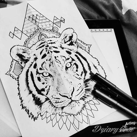 Tatuaże 3D intrygujące oko i prowadzące do swoistej gry ze zmysłami. Wzory, które na skórze łączą realizm i abstrakcję; graniczą z animacją i zachwycają doskonałością odwzorowania. Trójmiarowe tatuaże zadziwiają drobiazgowością kształtów i nadzwyczajną precyzją realizacji.