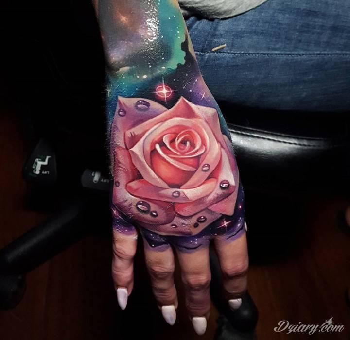 Tatuaż By doświadczyć piękna...