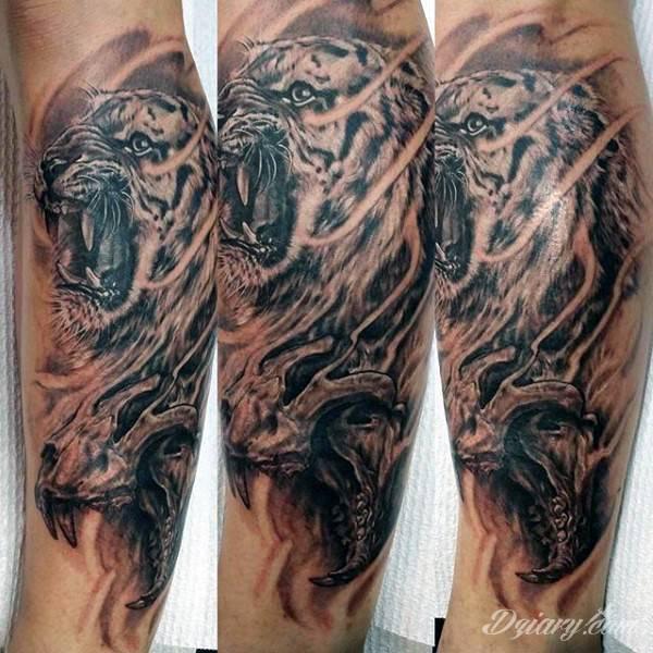Tatuaż Czarnobiały tatuaż tygrysa...