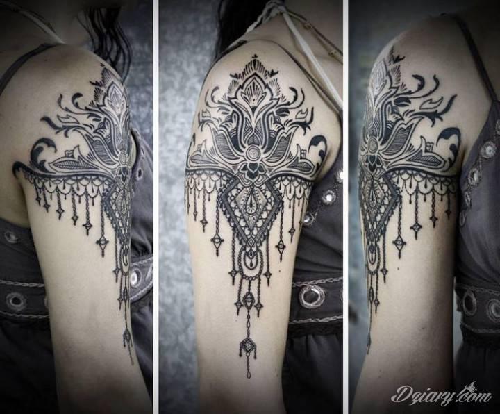 Tatuaż Czarny tatuaż inspirowany...