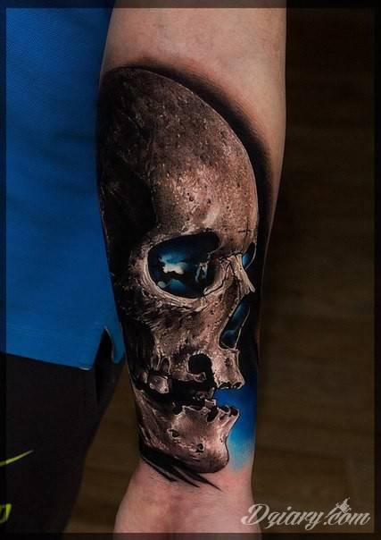 Tatuaż Czaszka z niebieską...