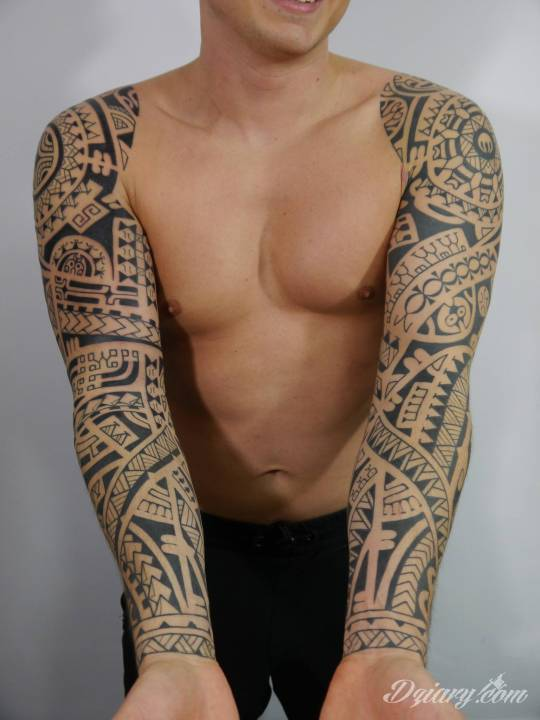 Tatuaż Dwa polinezyjskie rękawy...