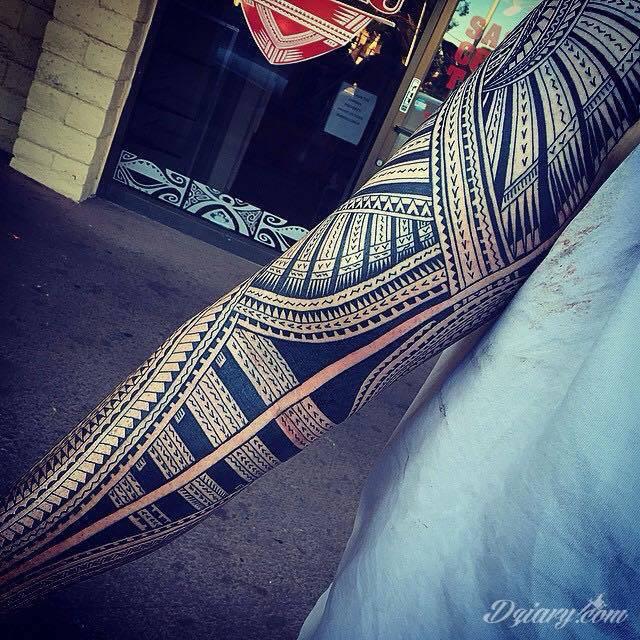 Tatuaż fantastycznie wykonany rękaw