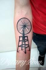 Tatuaż Inspirowany instalacją Marcela