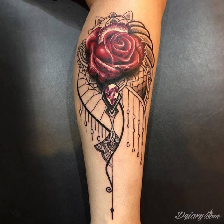 Każda, nawet najpiękniejsza róża ma kolce - dlatego człowiek uważa ją za tak piękny wyraz kontrastu.