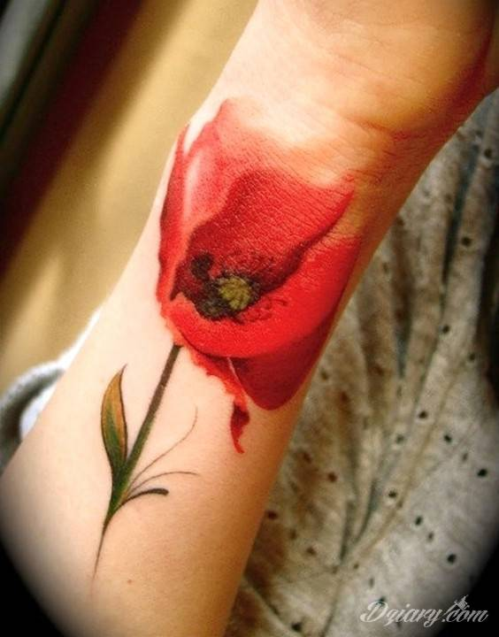 Tatuaż Mak na przedramieniu