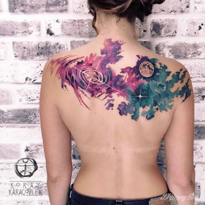 Tatuaż Nasz świat jest...