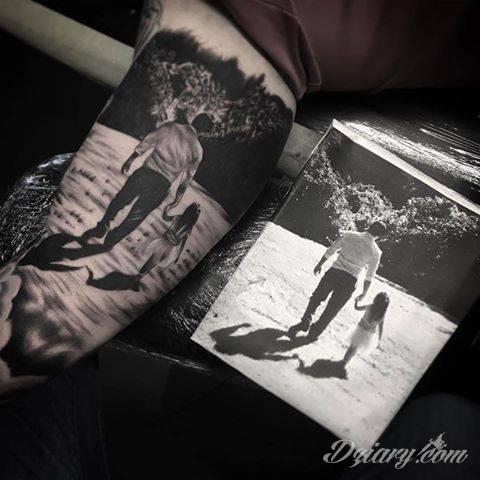 Nieziemski przykład odwzorowania fotografii jako tatuażu. Autorstwa: Shaun z UK