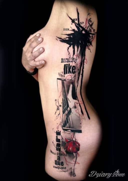 Oryginalny Tatuaż Z Boku Ciała