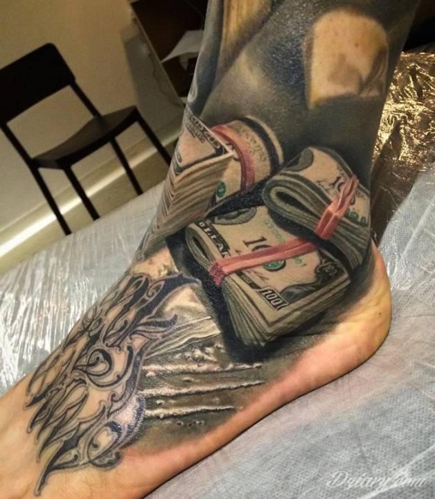 Tatuaż Pamiętaj, że potęga...