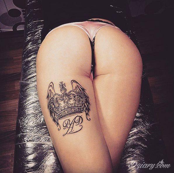 Piękny tatuaż korony