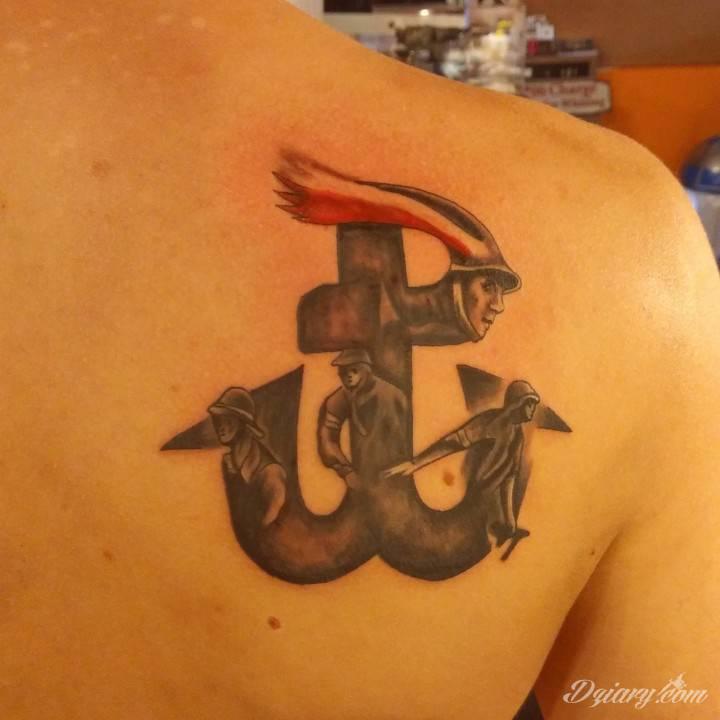 Tatuaż Pierwsza dziara :)...