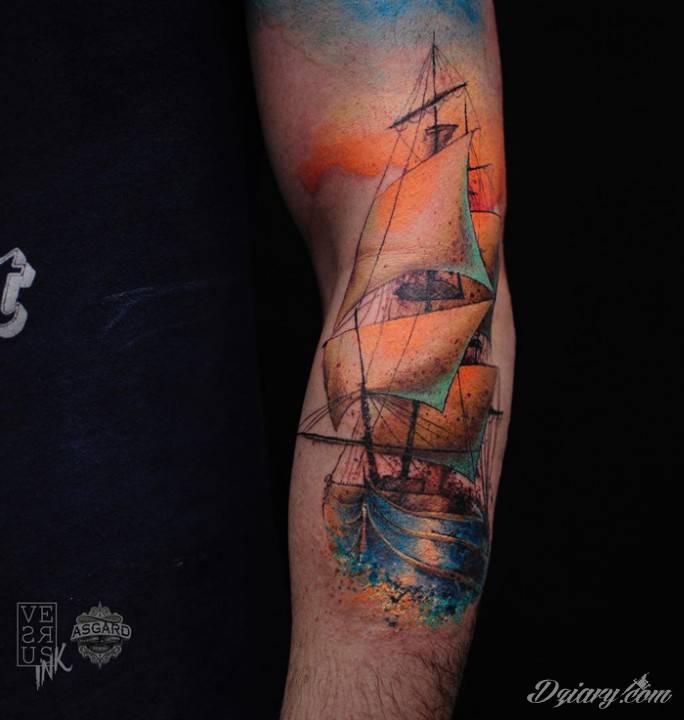 Tatuaż Płyńmy przez świat,...