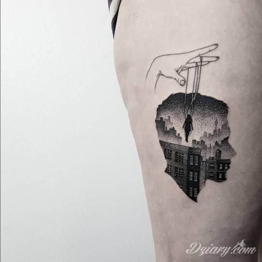 Tatuaż Pociągaj za sznurki...