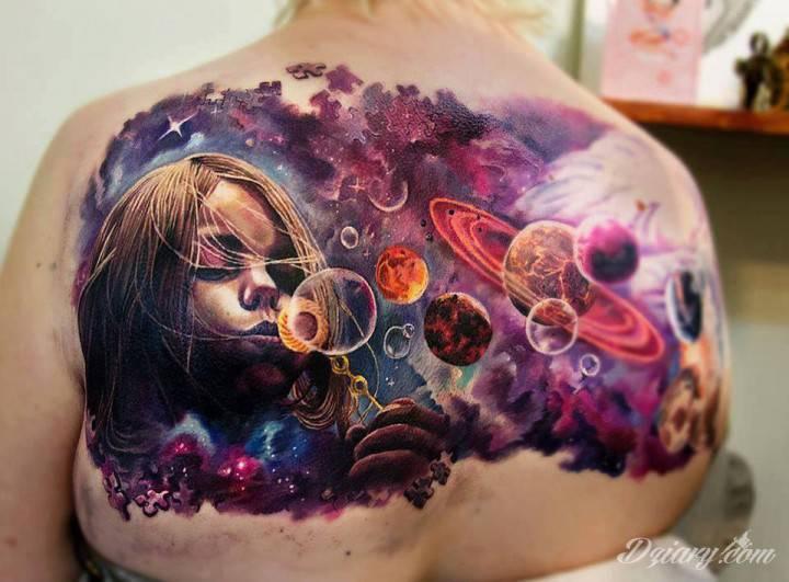 Tatuaż galaktyczny. Autor: Nastya Vilks
