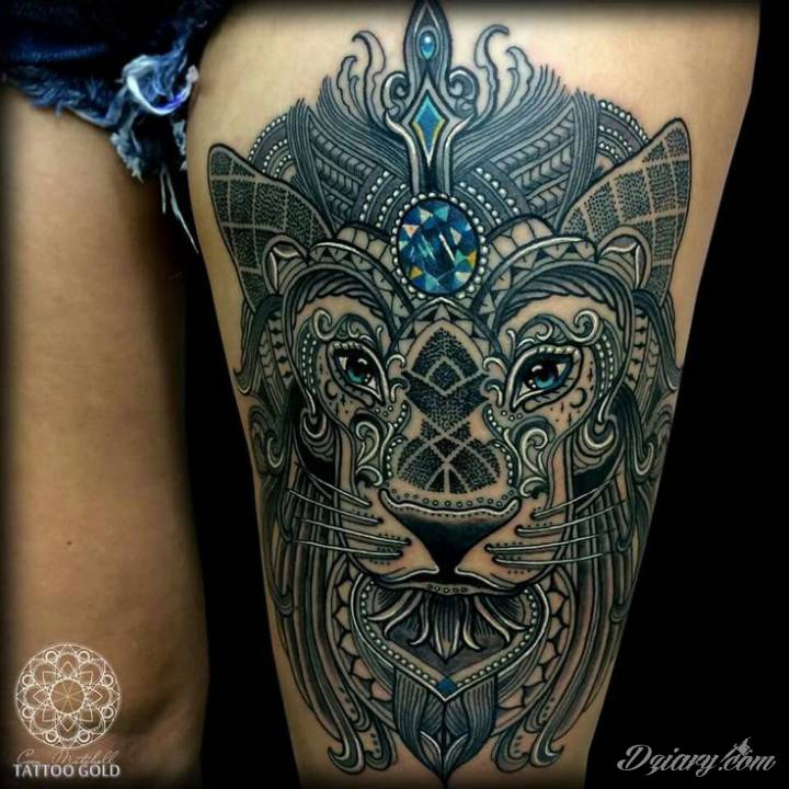 Tatuaż mozaika. Autor: Coen Mitchell