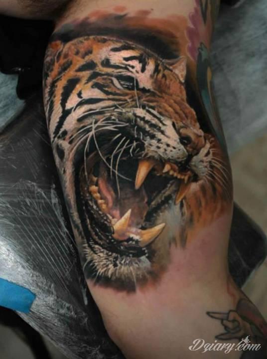 Tatuaż Ze Wściekłym Tygrysem