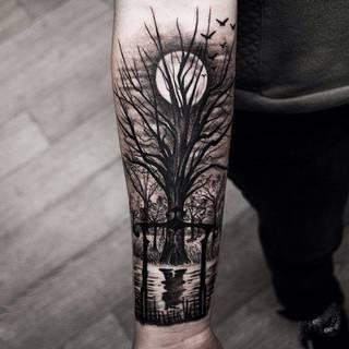 Fajny tatuaż na przedramieniu