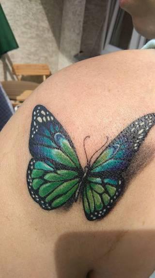Jest i mój upragniony motylek który zostanie ze mną na całe życie i nie odleci