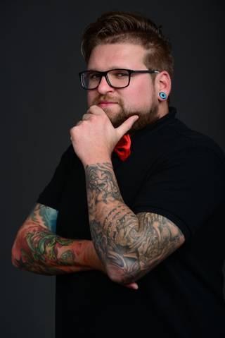 Jestem Dawid :) I lubię tatuaże.          P R O J E K T    I N K  >      http://www.facebook.com/projektink2015 -FanPage  >      http://instagram.com/projektink/ - Instagram  >      https://www.youtube.com/c/ProjektINK - kanał YouTube  >      http://projektink2015.blogspot.com/ - BLOG  >      http://www.projektink.cupsell.pl - koszulki i gadżety  >      SNAPCHAT: dawidjurczyk