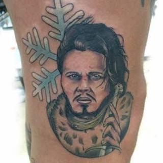 """Najgorsze tatuaże z """"Gry o Tron"""" Więcej na forum: http://dziary.com/forum/popitolmy-sobie/najgorsze-tatuaze-z-gry-o-tron 3"""