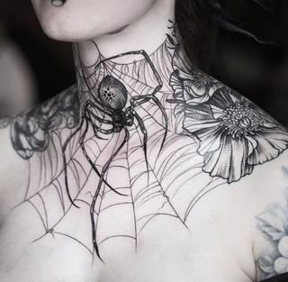 Tatuaże Pajeczyna Wzory I Galeria Tatuaży