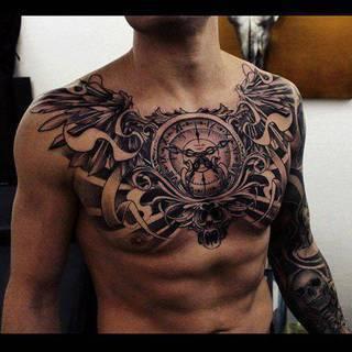 Niesamowity tatuaż na klatce piersiowej!