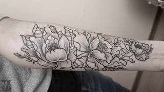 Piwonie, dotwork / Tattoo Szelest