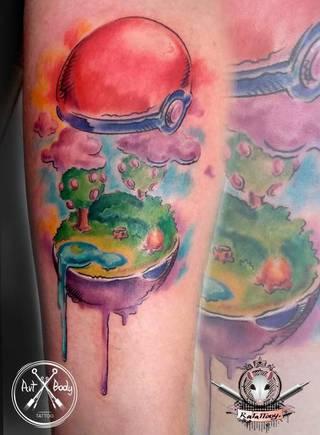 Pokemon go. Kolorowy tatuaże wzkonany prez Ksenia Ratattooy
