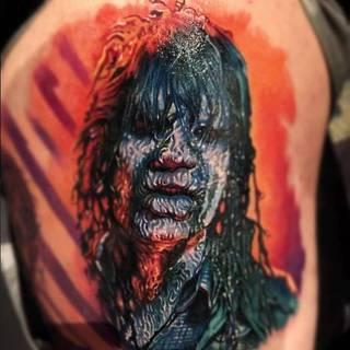 Tatuaż ohydnego, dziwnego tubylca.