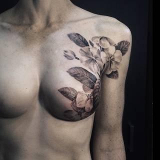 Tatuaże, które zakrywają blizny po mastektomii